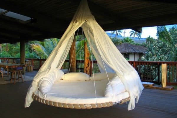 Reused Trampoline into Swinging Bed 1 • Recycled Furniture
