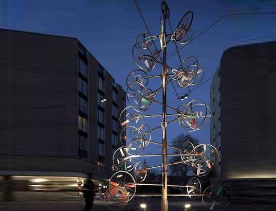 bicycle-wheel-christmas-tree-2