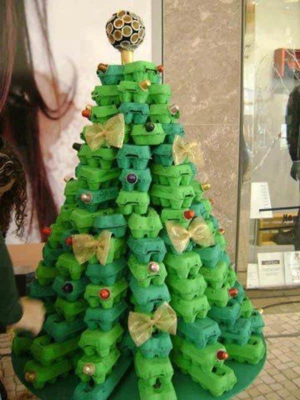 Egg Carton Christmas Tree 1 • Do-It-Yourself Ideas
