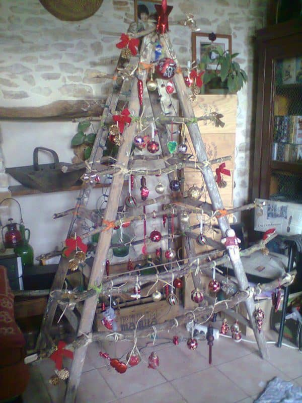 Ladder Into Christmas Tree 1 • Do-It-Yourself Ideas