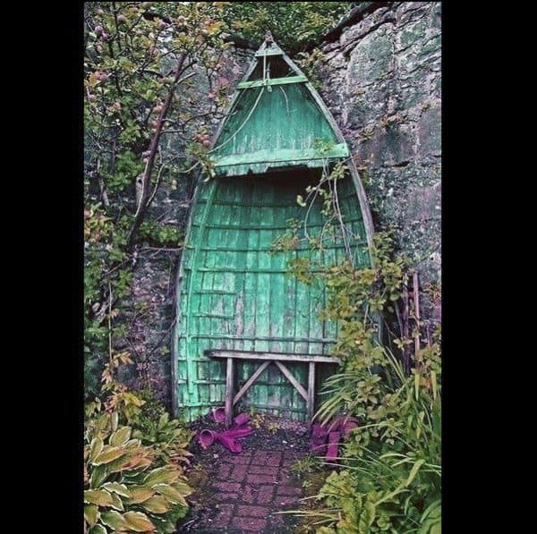 Romantic Boat Shelter 1 • Do-It-Yourself Ideas
