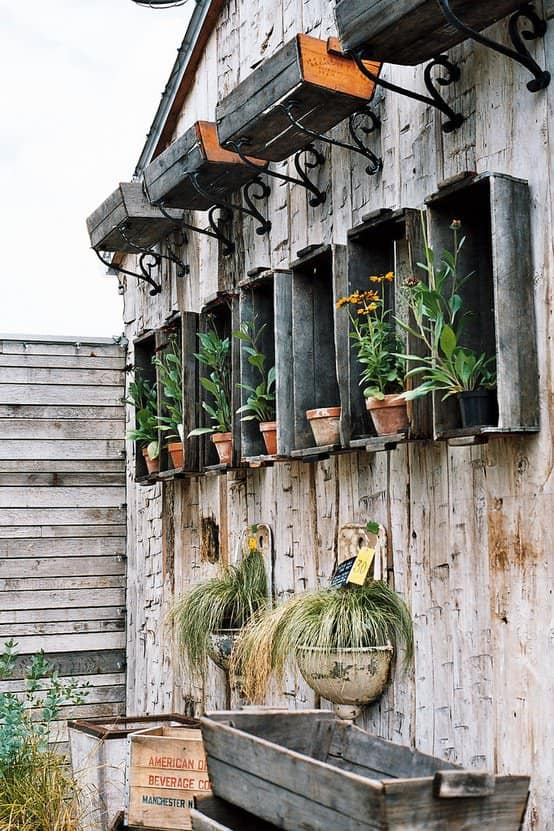 Lovely Way To Reuse Old Wooden Crates And Lavabos 1 • Do-It-Yourself Ideas