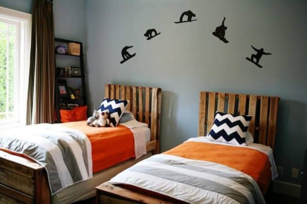 Boys Bedroom from Pallets 1 • Do-It-Yourself Ideas