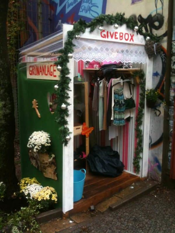 Givebox 2 • Interactive, Happening & Street Art