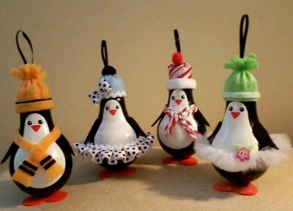 Recycled Christmas Bulb Decorations 5 • Do-It-Yourself Ideas