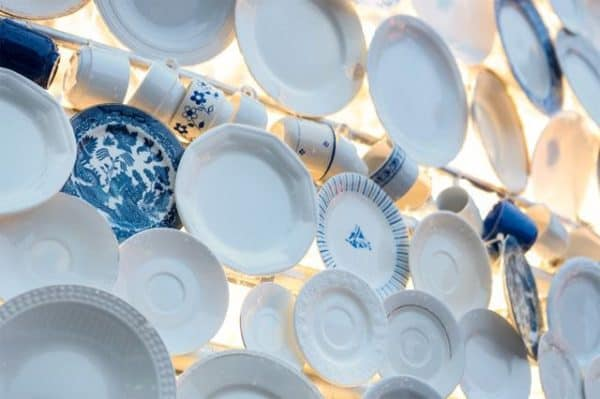 Christmas Tree Made Of 5,000 Donated Ceramic Dishes & Cups 3 • Interactive, Happening & Street Art