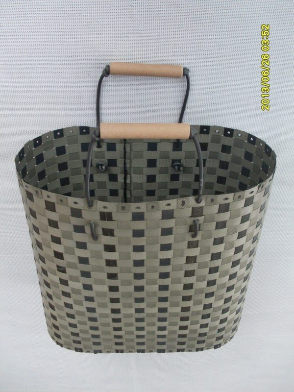 Baskets Made from Waste Polypropylene Strapping Tapes 3 • Recycled Plastic
