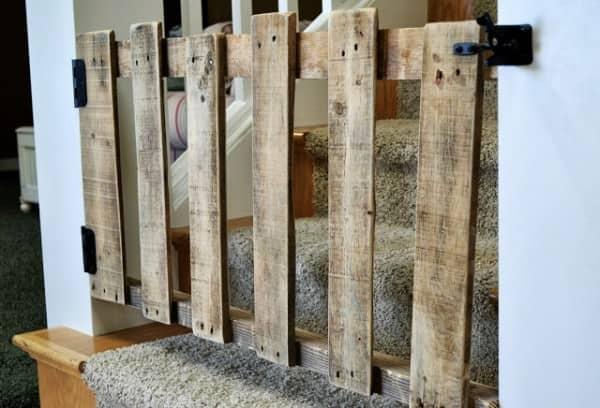 Diy : Pallet Stairs Gate Wood & Organic