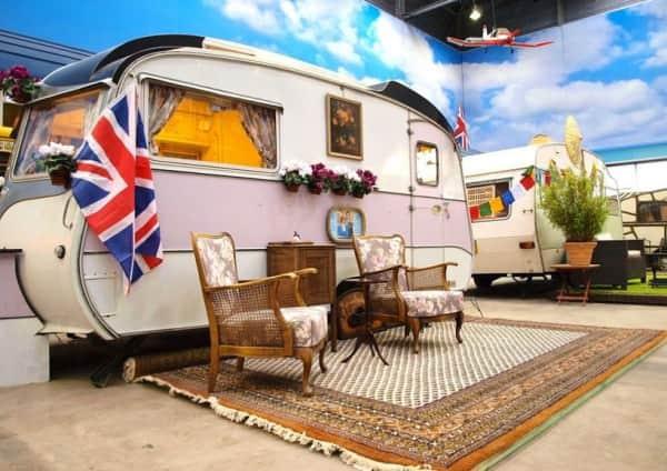 basecamp-an-indoor-vintage-campground-hostel-designboom-14