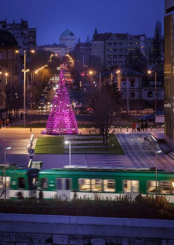 7-hello-woods-christmas-tree-made-out-of-365-sleighs-at-the-palace-of-arts-budapest