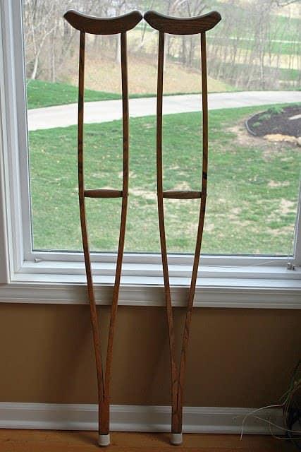 crutches6