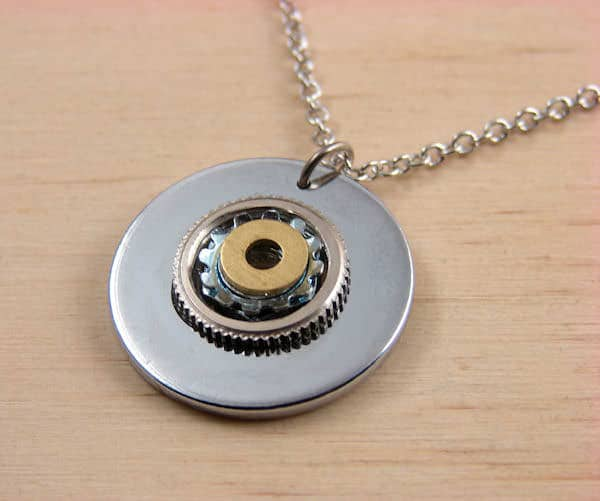 shiny-and-textured-pendant-for-recycled-art
