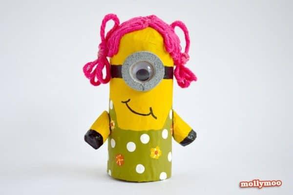 toilet-roll-minion-girl