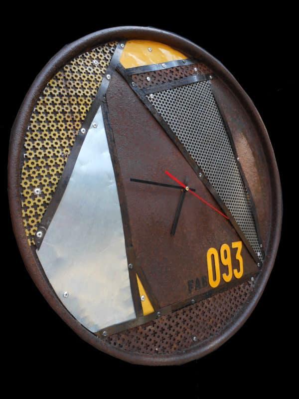 Horloge-detouree
