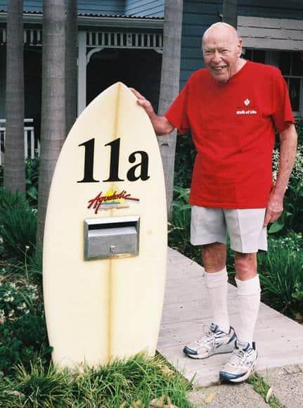 freshwater-mailbox-surfboard-um
