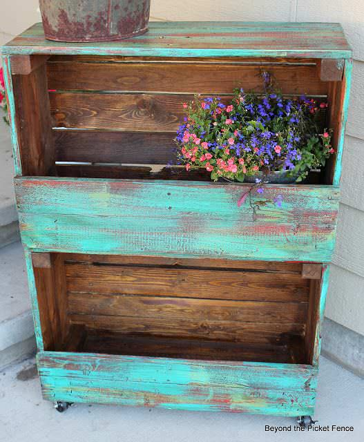 12 Upcycled Crate ideas 03