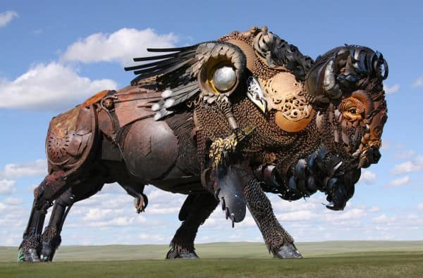 bison-sculpture-dakotah