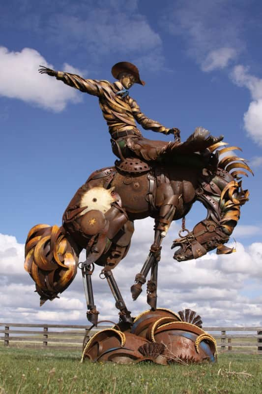 sculpture-metallique-rodeo-cheval