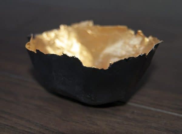 paper-bowl-black-and-gold
