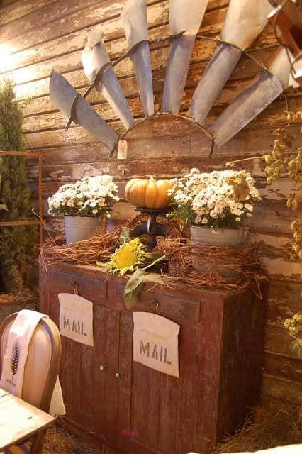 Barn House Fall Harvest 050