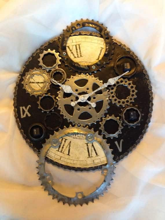 Upcycled-Bike-Enthusiast-Clock-3