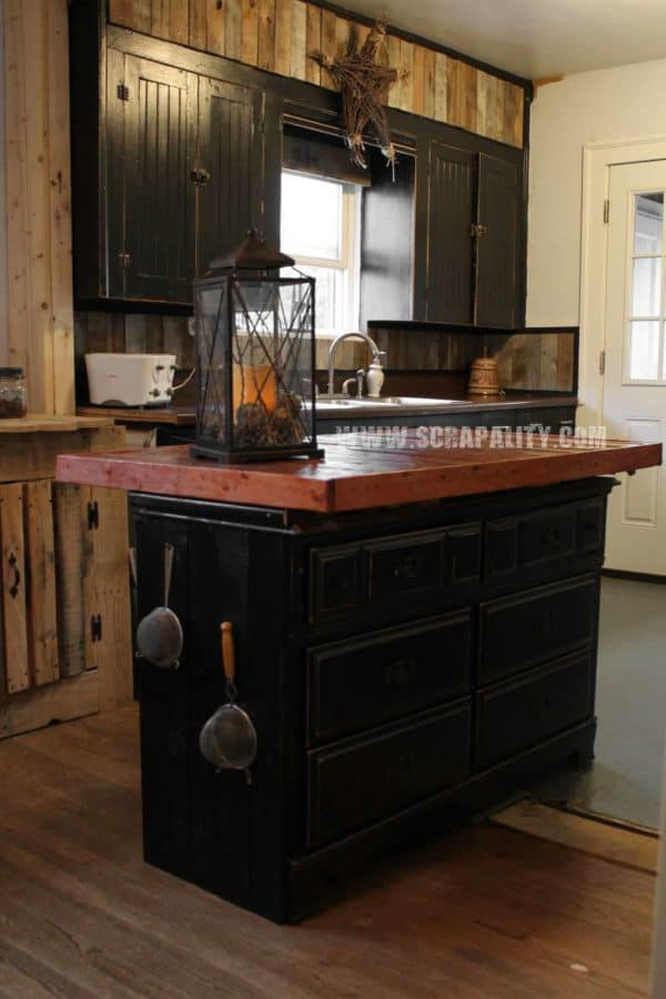 30+ Ways of Reusing Wooden Pallets In Your Kitchen 16 • Recycled Pallets