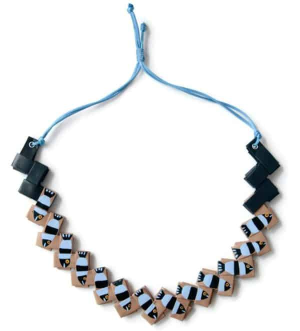 recycled-paper-necklace-decorated-with-black-and-blue-fishes