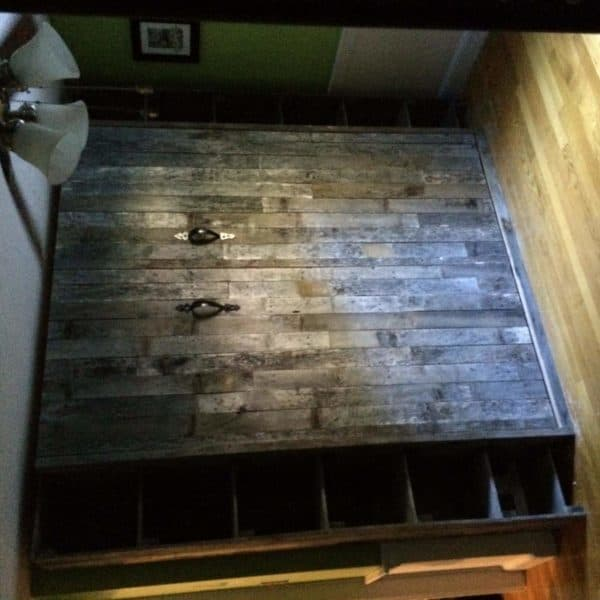 Aged-Pallet-Wood-MB-closed