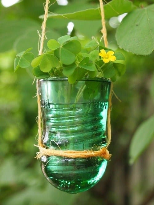 30+ Creative Ideas Using Vintage Glass Insulators 47 • Do-It-Yourself Ideas