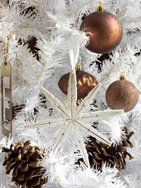 creative-christmas-clothespin-crafts-decoration-idea-easy-to-make-diy-project