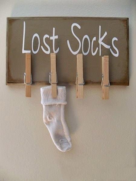 lost-socks-wall-diy-clothespin-holder-indoor-decor