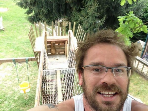 Garden Kids Playhouse From Recycled Pallets 4 • Garden Ideas