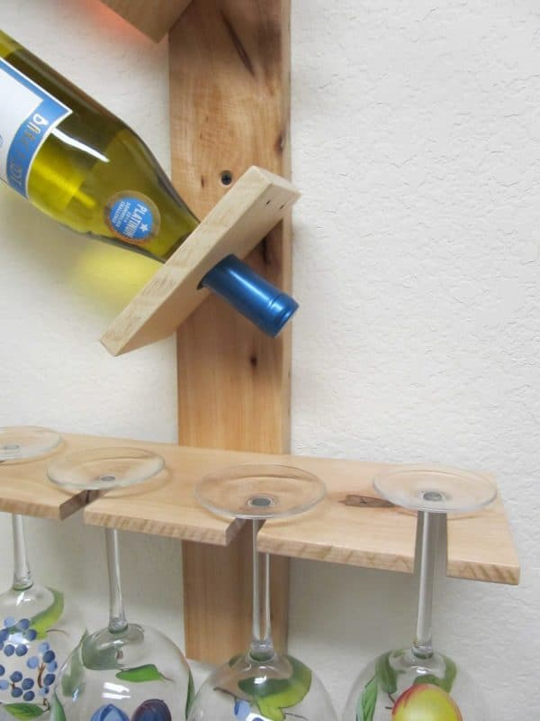 Wine Bottle And Glass Display Made Out Of Pallets 5 • Accessories