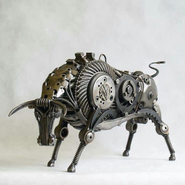 tomas-vitanovsky-makes-animal-sculptures-out-of-scrap-metal-2