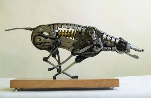 tomas-vitanovsky-makes-animal-sculptures-out-of-scrap-metal-4
