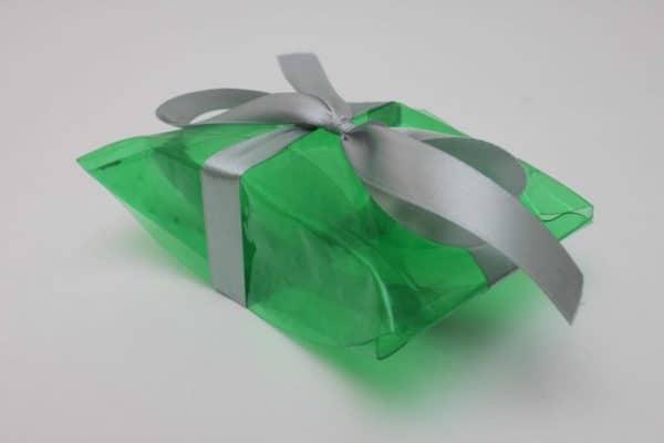 recopilacion-cajas-de-regalo-con-botellas-de-plastico-137