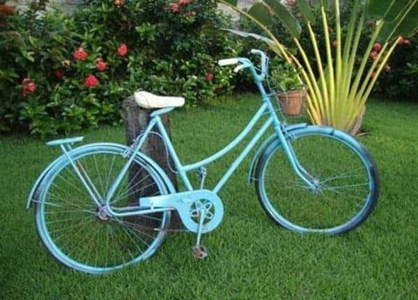 14 Creative Ideas Of Garden Decorations Made From Upcycled Bikes 17 • Garden Ideas