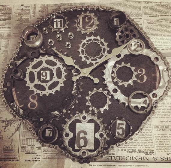 Bike-Enthusiast-Clock5b