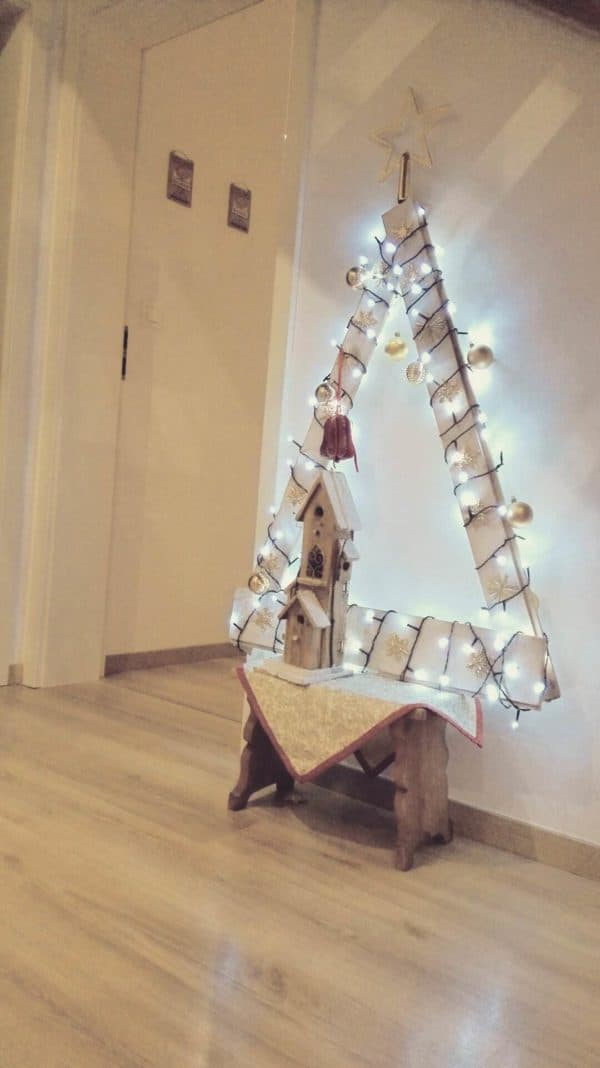 recyclart.org-christmas-tree-from-pallet1