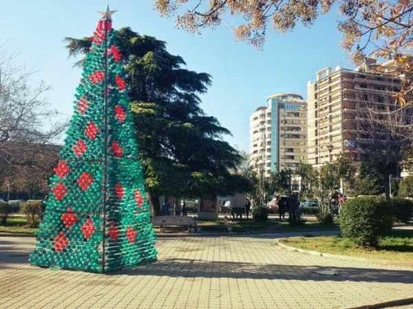 recyclart.org-christmas-tree-made-by-citizens-from-2200-recycled-plastic-bottles-in-elbasan-albania1