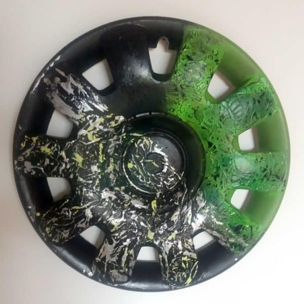 recyclart.org-recycled-hubcaps-original-abstract-painting5