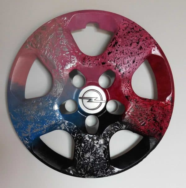 recyclart.org-recycled-hubcaps-original-abstract-painting2