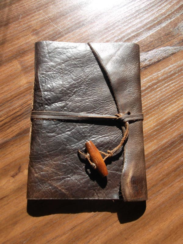 recyclart.org-scrap-leather-note-book