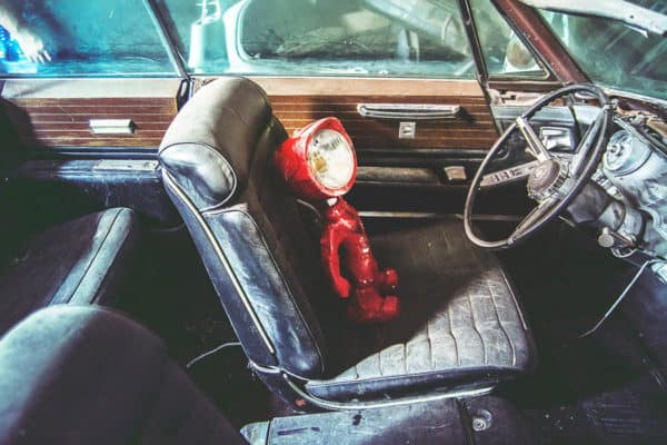 The Lampster: Little Robot Lights From Upcycled Vehicle Lamps 4