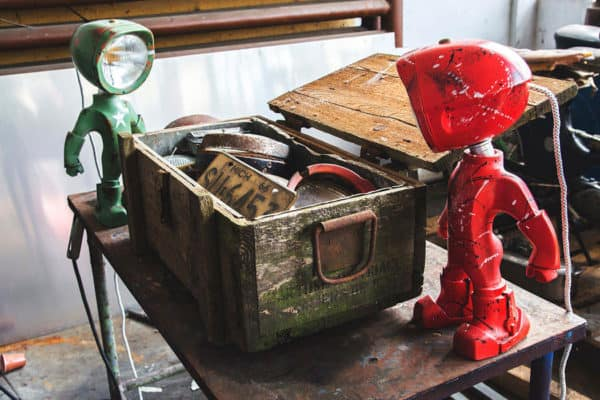 The Lampster: Little Robot Lights From Upcycled Vehicle Lamps 5