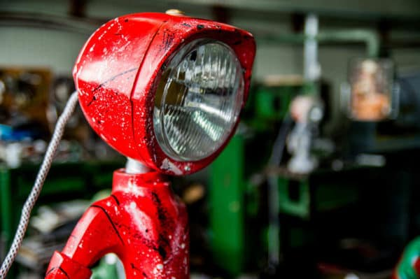 The Lampster: Little Robot Lights From Upcycled Vehicle Lamps 6