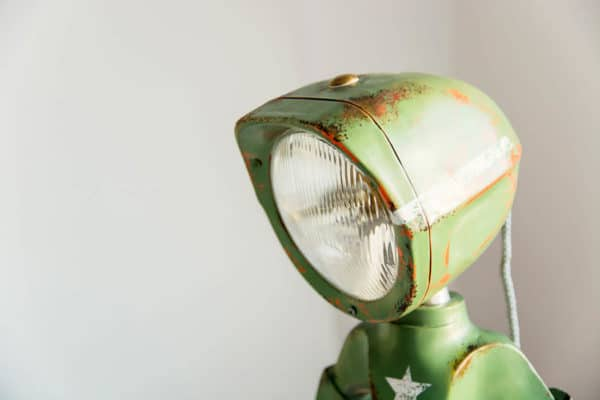 The Lampster: Little Robot Lights From Upcycled Vehicle Lamps 12