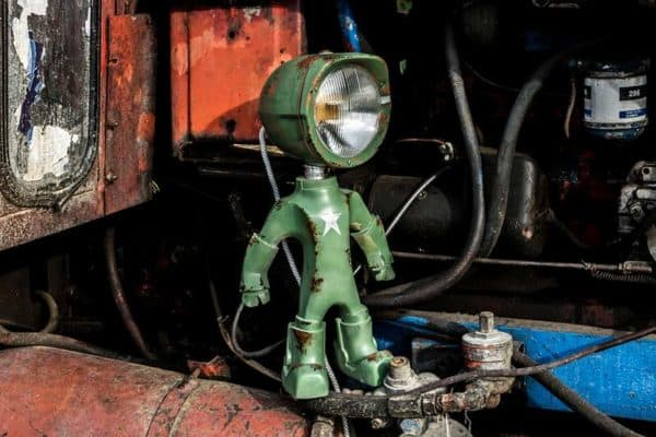 The Lampster: Little Robot Lights From Upcycled Vehicle Lamps 20