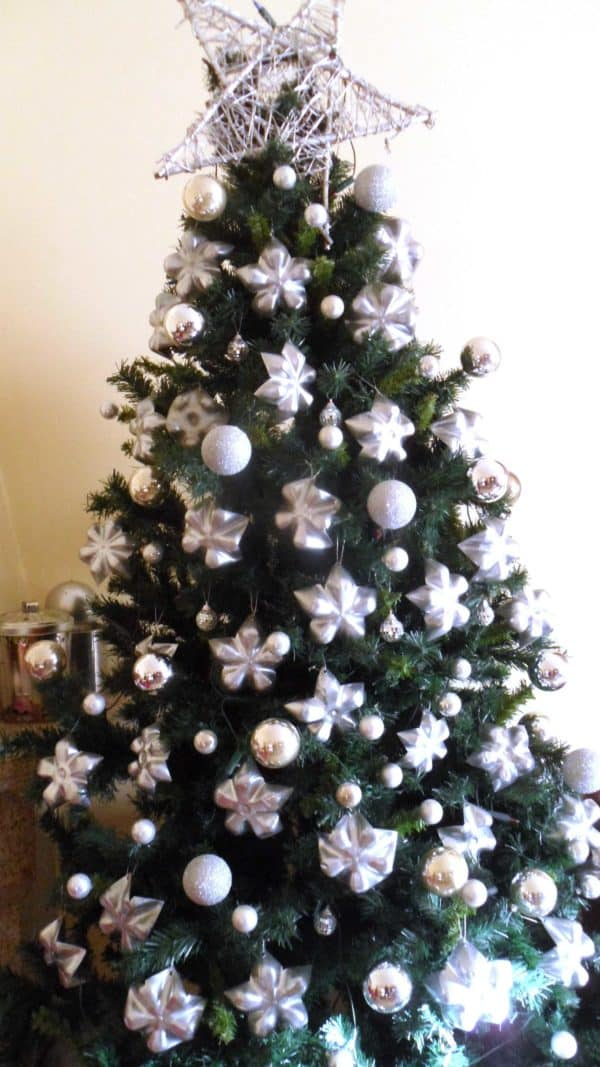 Upcycled Plastic Bottle Bottoms into Stars for Christmas Tree Decoration 1 • Accessories