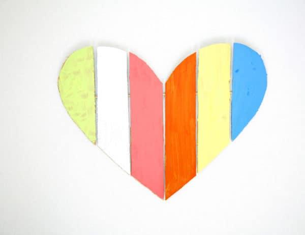 recyclart.org-cardboard-valentine-heart2